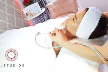 Award-winning Signature Oxygen Deep Cleansing Facial Treatment