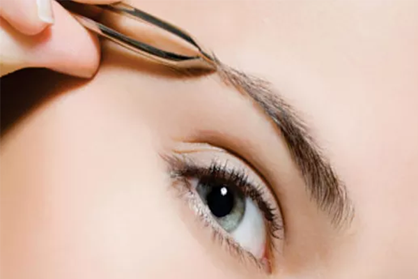 Eyebrow Shaping by Lash Regrowth on Daily Vanity Salon Finder