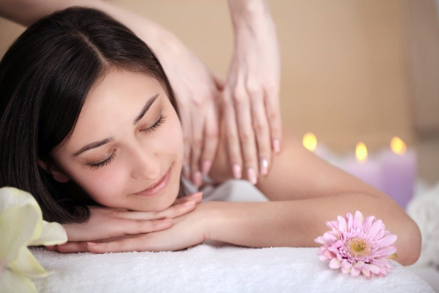 90-Min Contemporary Back / Body Massage by Squeeze on Daily Vanity Salon Finder