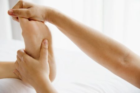 60 mins Foot Reflexology + 30 mins Back & Shoulder Massage